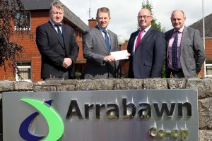 Arrabawn Co-op is Main Sponsor of North Tipperary Agricultural Show with John Murray (Arrabawn Co-op) presenting a cheque to North Tipperary Show Committee Chairperson Conor Delaney in the presence of Conor Ryan (Arrabawn Co-op CEO) and Declan Lee (Show Committee).  Photograph: Bridget Delaney